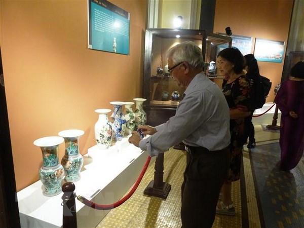 胡志明市展示130多件珍贵文物 hinh anh 1