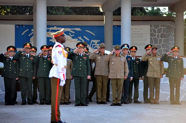加强越南与古巴两党、两国政府和武装力量的合作 hinh anh 3