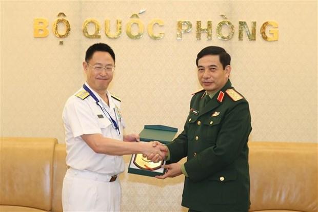 潘文江会见日本国防部代表团 hinh anh 1