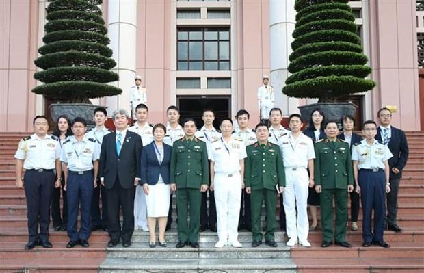 潘文江会见日本国防部代表团 hinh anh 2