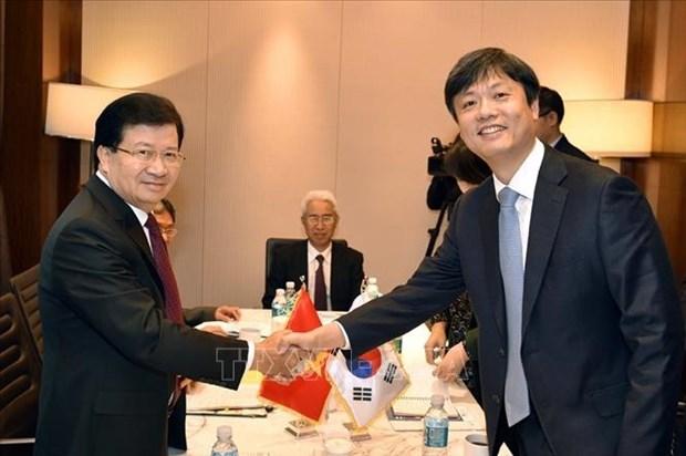 越南政府副总理郑廷勇访韩之行取得丰硕成果 hinh anh 2