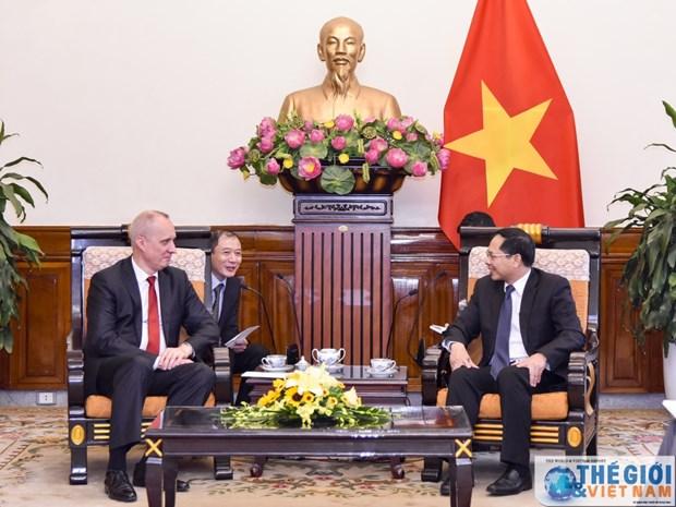 越南外交部副部长裴青山会见白俄罗斯外交部副部长安德烈·达普肯纳斯 hinh anh 2