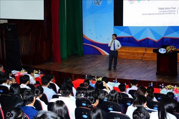 2018年胡志明市国际大学生科学论坛开幕 上千名国内外学生齐聚一堂 hinh anh 1