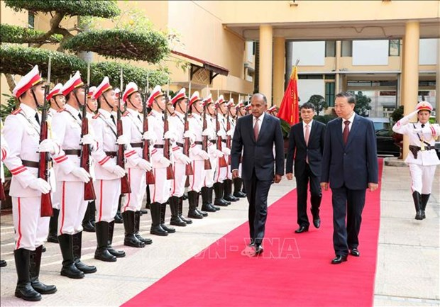 越南与新加坡续签《预防和打击跨国犯罪合作协议》 hinh anh 1