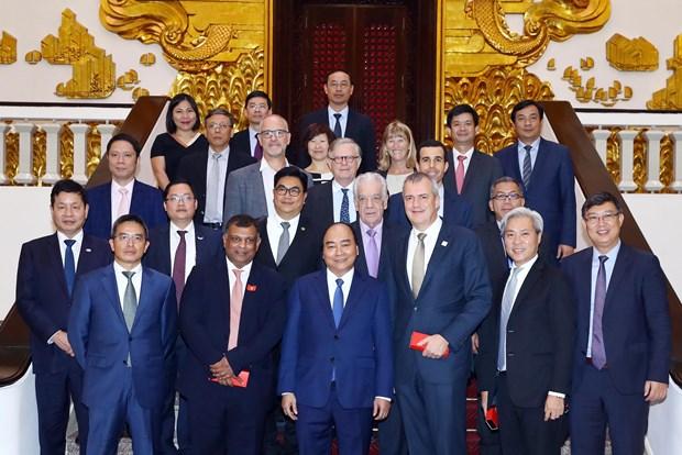 阮春福会见国际旅游投资者 承诺进一步开放旅游签证政策 hinh anh 1