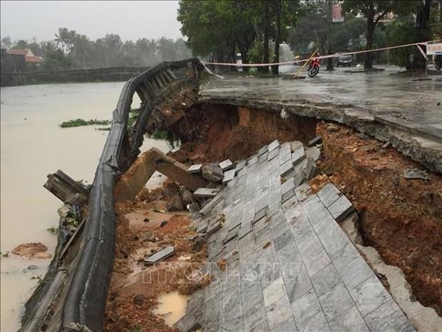 洪水给中部和中部以南地区各省造成严重损失 hinh anh 1