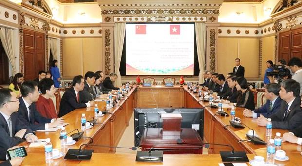 加强胡志明市与中国成都市的贸易旅游合作 hinh anh 1
