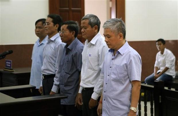 越南国家银行前副行长涉嫌失职失责造成严重后果被判有期徒刑三年缓刑5年 hinh anh 1