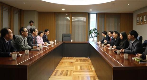 越韩加强职业教育和新闻传播经验交流 hinh anh 1