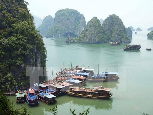 2018年越南国家旅游年:全面提升广宁省的旅游形象 hinh anh 1