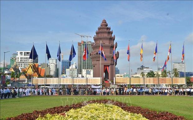 柬埔寨推翻波尔布特种族灭绝制度40年:柬埔寨经济取得许多重要成就 hinh anh 1