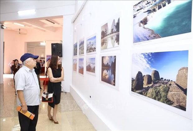 """2018年""""越南-中国印象""""摄影展在河内开幕 hinh anh 2"""