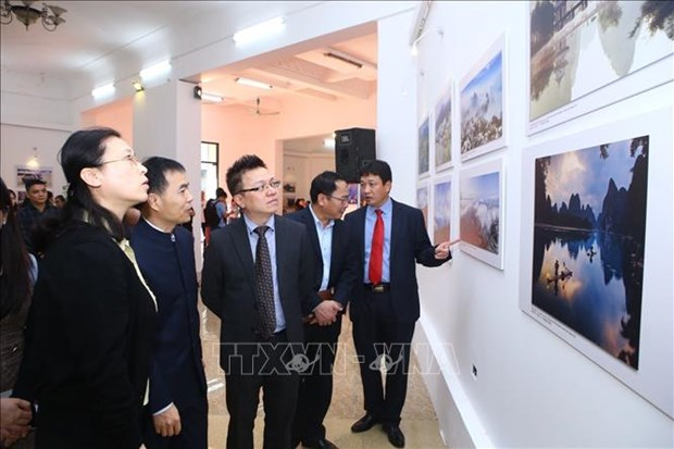 """2018年""""越南-中国印象""""摄影展在河内开幕 hinh anh 3"""