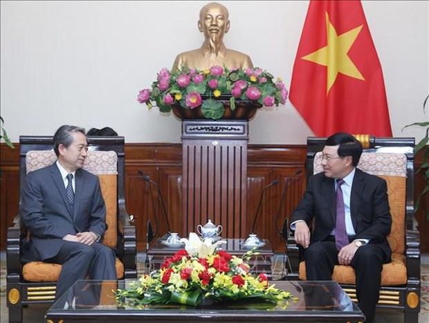 政府副总理兼外长范平明会见中国驻越大使熊波 hinh anh 1