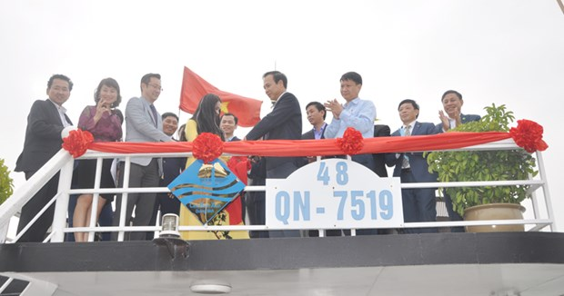 广宁省下龙湾34艘游船获得蓝帆证书和标识 hinh anh 1