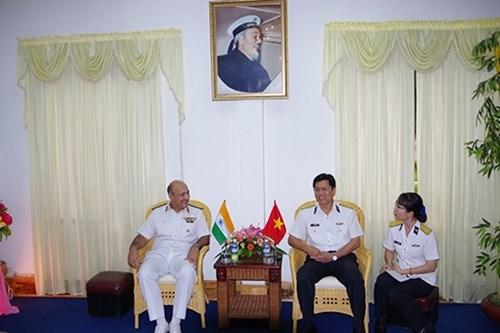 印度海军副参谋长造访越南海军学院 hinh anh 1