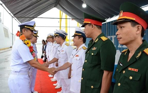 泰国海军护卫舰代表团访问岘港市 hinh anh 2