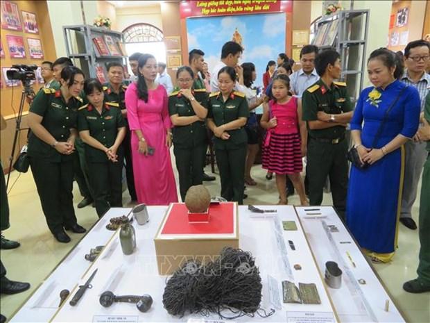 柬埔寨推翻种族灭绝制度40年:近300张宝贵的图片及实物得到展示 hinh anh 1