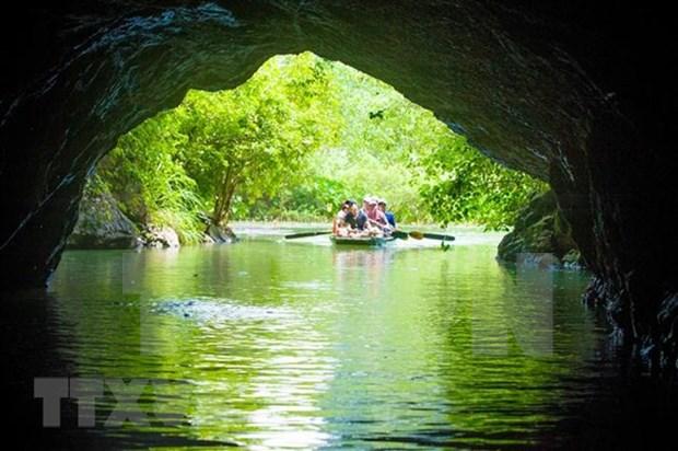 越南政府总理解答旅游业发展方面的质询 hinh anh 1