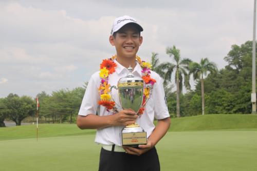 13岁的高尔夫球选手邓光英跻身世界业余高尔夫球手排行榜 hinh anh 1