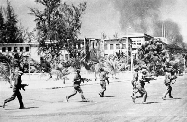 柬埔寨摆脱种族灭绝制度40周年:隆安省与柬埔寨友谊日益密切 hinh anh 1