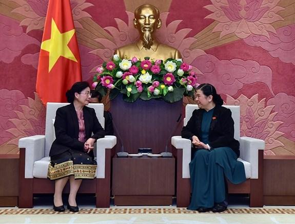 越南国会常务副主席丛氏放会见老挝审计署审计长万通·西潘敦 hinh anh 1