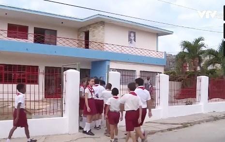 越古友谊学校在古巴圣地亚哥省竣工落成 hinh anh 1