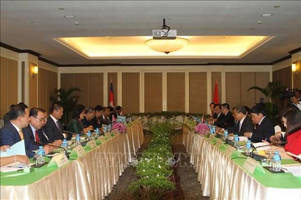 越共中央检查委员会工作代表团对柬埔寨进行工作访问 hinh anh 1