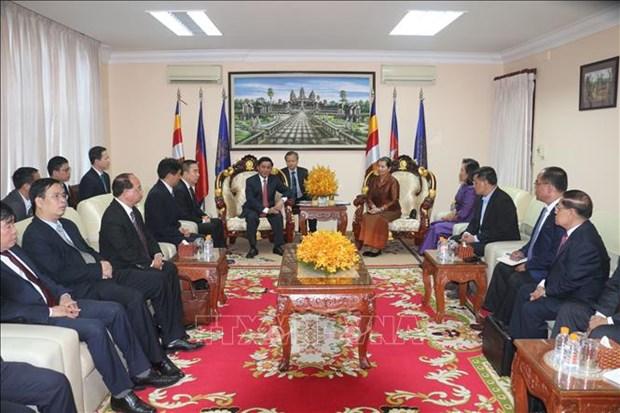柬埔寨领导人会见越共中央检查委员会工作代表团 hinh anh 1
