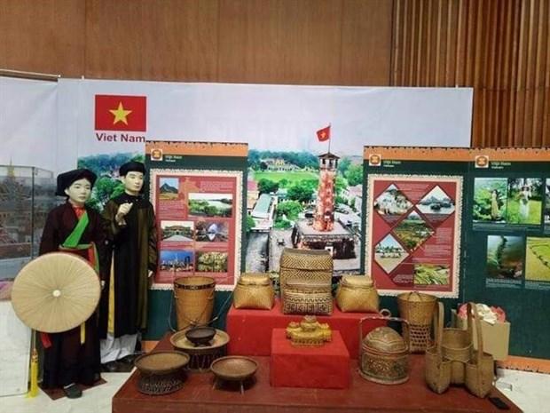 """东盟各国和各伙伴""""文化之色""""专题展在广宁省举行 hinh anh 1"""