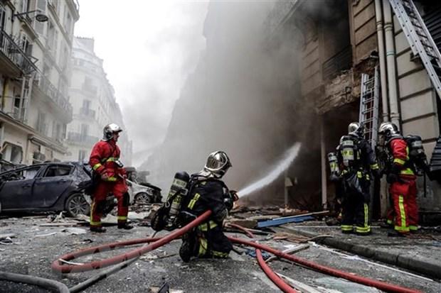 巴黎爆炸事件:遇难者中尚未发现越南公民 hinh anh 1