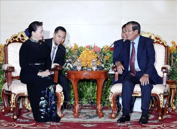 国会主席阮氏金银会见柬埔寨首相洪森 hinh anh 2