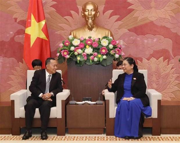 国会副主席丛氏放会见老挝巴特寮通讯社代表团 hinh anh 1