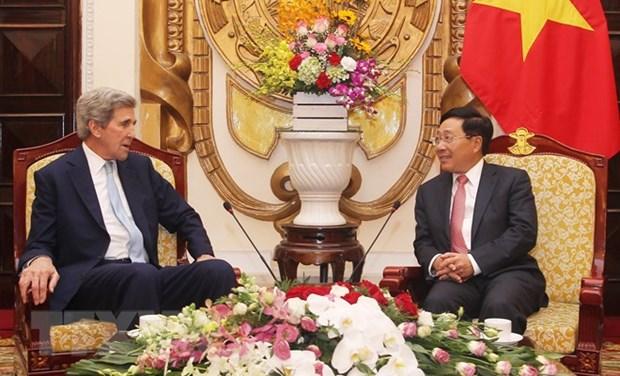 美国前国务卿约翰•克里来越出席2019年越南经济论坛 hinh anh 1