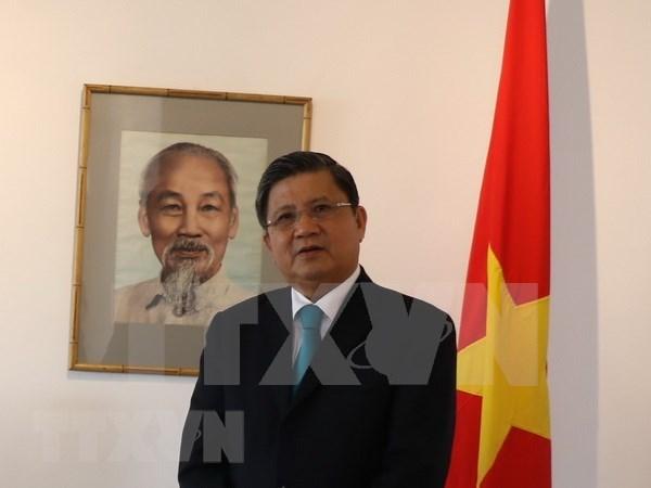 APPF-27:越南国会对外委员会主任阮文饶会见日本国会议员代表团 hinh anh 1