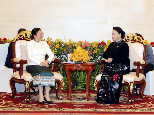 越南国会主席阮氏金银会见老挝国会主席巴妮·雅陶都 hinh anh 2