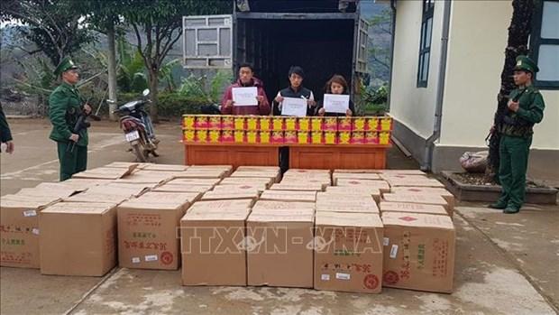 临近春节非法运输鞭炮案高发 越南边境地区抓获多名涉案人员 hinh anh 1