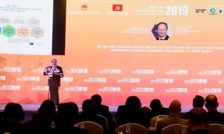 欧盟驻越南代表团团长:越南需要渐次将污染型能源转化为清洁能源 hinh anh 2