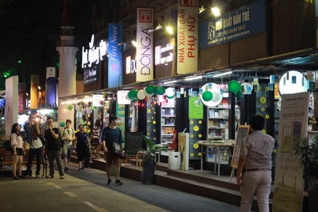 2018年胡志明市图书街吸引120万人次 hinh anh 1