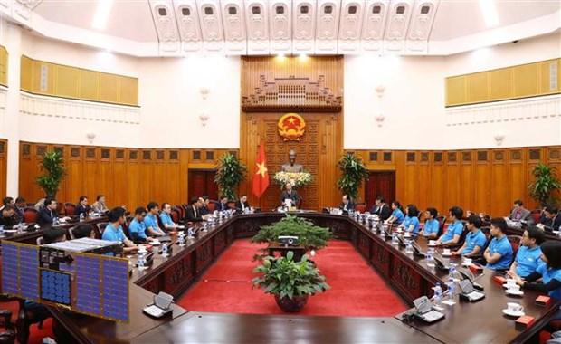 越南政府总理阮春福承诺为越南卫星研制创造一切便利条件 hinh anh 1