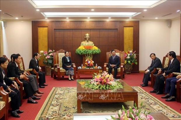 老挝华潘省代表团走访和平省并提前拜年 hinh anh 2