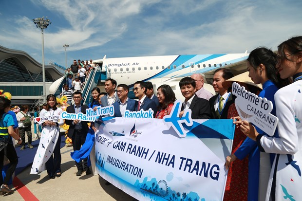 泰国曼谷至越南庆和省金兰航线今日首飞 hinh anh 2