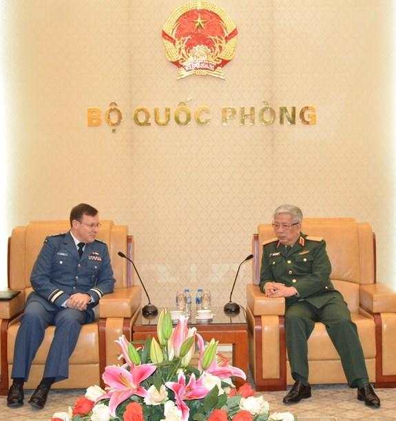 促进越南与加拿大防务合作 hinh anh 1