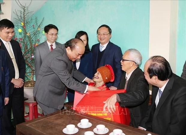 政府总理阮春福:兴安省需推进各工业区和都市区强劲发展 hinh anh 3