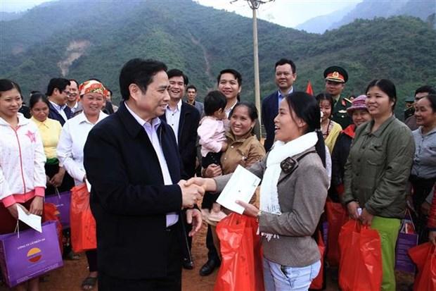 越共中央组织部部长范明正视察清化省洪灾后恢复重建工作 hinh anh 1