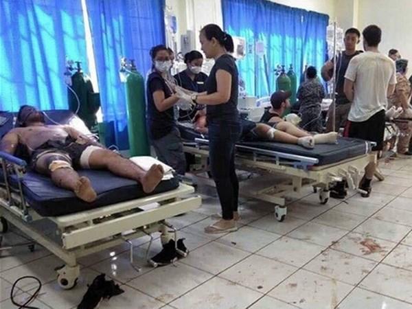 菲律宾苏禄省发生连环爆炸 受伤和死亡人数达近80人 hinh anh 1