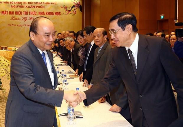 政府总理阮春福:党和国家一向重视知识分子和科学家们的地位和作用 hinh anh 3
