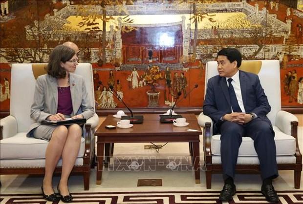 越南河内与加拿大加强多个领域的合作 hinh anh 2