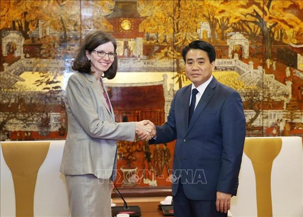 越南河内与加拿大加强多个领域的合作 hinh anh 1