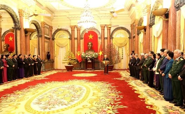 越共中央总书记、国家主席阮富仲向党和国家领导、全国军民拜年 hinh anh 2